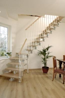 Podle prostoru se můžete rozhodnout buď pro segmentové (rovné či do tvaru U a L), nebo pro točité schodiště. Přikoupením dalších segmentů může schodiště dosáhnout až do výšky 373 cm.