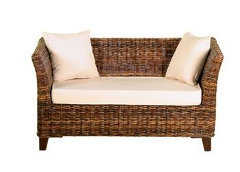 Dvoumístná sedačka Elmira z hnědého ratanu, cena 10 430 Kč (Detail).