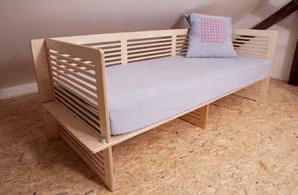 Sedačka SYSAL (výrobce K-interiér) rozměr 220 x 90 cm, vnitřní matrace na spaní 200 x 80 cm, cena bez matrace 18 000 Kč (MALINA DESIGN).