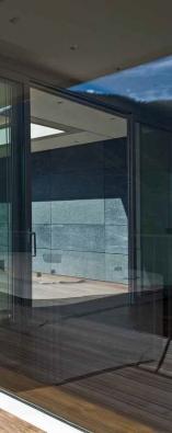 Vířivka ROSE s dokonalou koncepcí a maximálním využitím prostoru pro relaxaci nabízí pohodlné využívání pro 3 osoby. Cena od 99 000 Kč. www.albixon.cz.