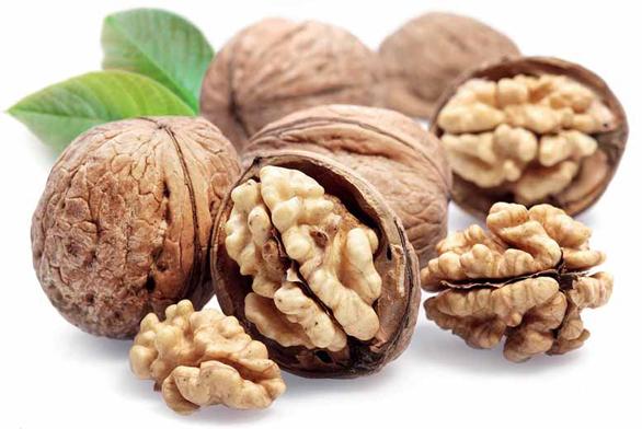 Mlsejte mandle, ořechy a oříšky