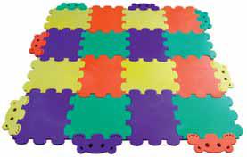 Izolační pěnový koberec Méďa 16 se skládá ze 16 dílů o velikosti 30 × 36 cm, lze skládat do různých tvarů a jednotlivé díly se dají dokoupit a koberec zvětšit. 1 600 Kč (PUZZLAND).