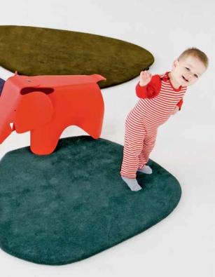 Koberečky Calder (Nanimarquina), design Nanimarquina, 100% novozélandská vlna, 95 × 125 cm, cena od 12 312 Kč (KONSEPTI).