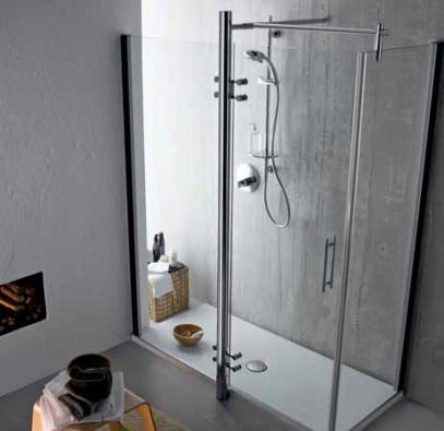 Sprchový kout Tonic, výplň transparentní 8mm sklo s úpravou Ideal Clean Glass, chromované profily, levé i pravé provedení, rozměry 170 x 80 cm, cena 111 520 Kč, IDEAL STANDARD.