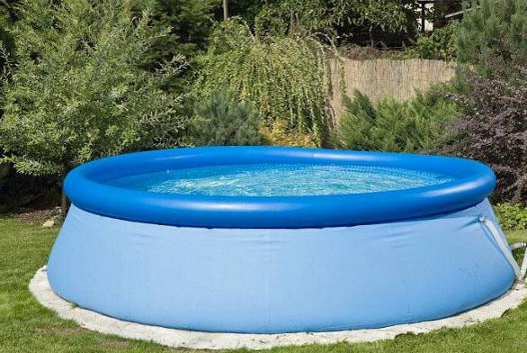 AKCE: Za roční předplatné zdarma bazén
