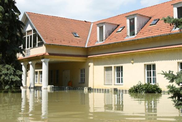 Povodně 2013 - pomoc majitelům domů