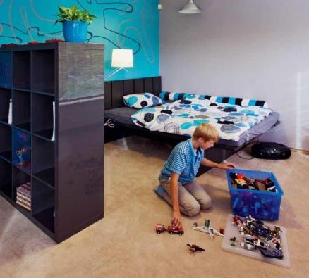 Dětský pokoj vznikl v podkrovní místnosti na místě bývalého hostinského pokoje.