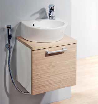 Nábytkový program Happy Bath je určen speciálně do malých koupelen. Závěsné umyvadlové skříňky jsou široké 40 a 50 cm a koupíte je od 3 025 Kč. Vyrábí společnost Le Bon.