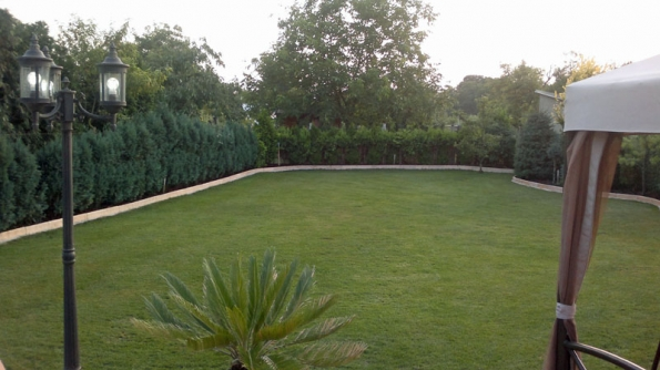 Ohrazení trávníku vyřešeno