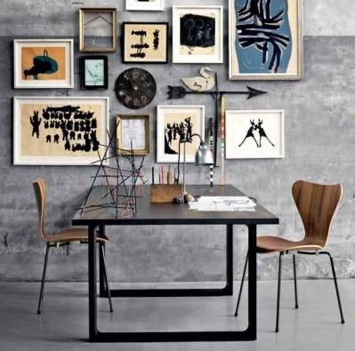 I zcela jednoduchému jídelnímu stolu dodá punc originality židle Series 7 (FRITZ HANSEN), která se vyrábí už od roku 1956, cena od 9 393 Kč, SCANDIUM.