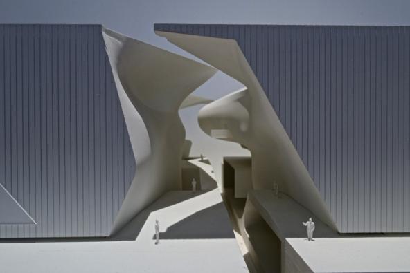 Od pondělí je v Jiřském paláci na Pražském hradě k vidění sedmý ročník mezinárodního festivalu architektury a urbanismu Architecture week. Součástí festivalu je i nový celorepublikový výtvarný projekt Hravý architekt.