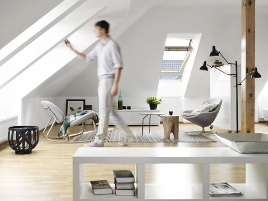Více světla a čerstvého vzduchu můžete získat i za dobrou cenu (střešní okna GZL).