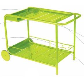 Barový stolek na kolečkách Luxembourg (FERMOB), kovová lakovaná konstrukce, rozměr 67 x 49 x 77 cm, 14 850 Kč, DECOFORM.