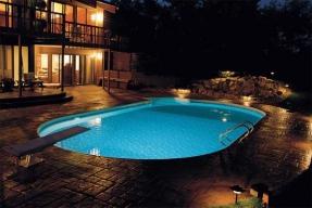 Utopené světlo v bazénu