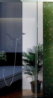 Pákový podomítkový sprchový set Gen s vestavnou nerezovou hlavicí nainstalovanou v podhledu a s ruční sprškou, 33 x 48 cm, PERFECTO DESIGN.