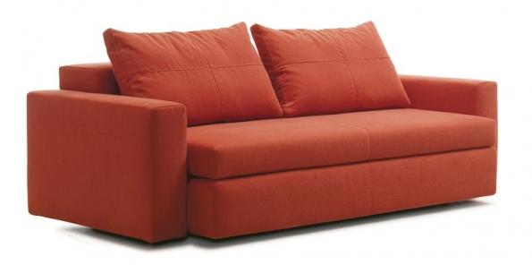Rozkládací sedací souprava Rem (Swan), konstrukce z dřeva a kovu, sedací polštáře a matrace z polyuretanu, potah z látky, cena od 145 140 Kč, EXX.