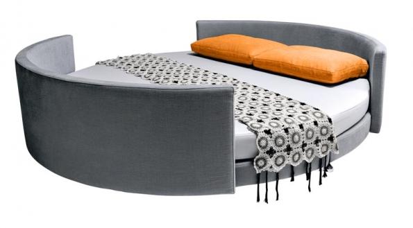 Oválná rozkládací pohovka Scoop (design Guido Rosati, Saba Italia), čalounění látka, COLOSSEUM.