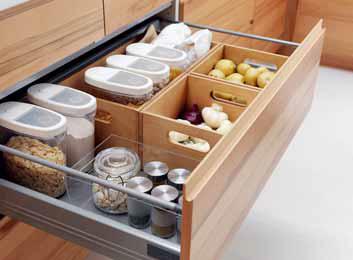 Pokud v pravém bližším rohu bytu či místnosti máte umístěnu kuchyň, měli byste dbát na to, abyste v ní udrželi řád a pořádek.