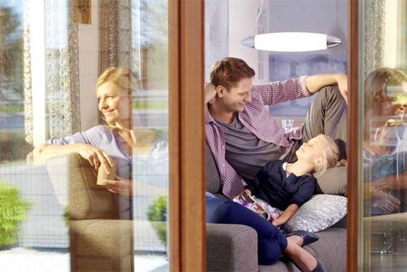 Se zvětšujícím se podílem prosklených ploch na fasádách domů roste potřeba vybrat okna s dostatečnými tepelněizolačními vlastnostmi.