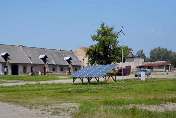 Farmář Pavel Šich se spolupracovníky proměňují zastaralý zemědělský areál v energeticky soběstačnou moderní farmu.