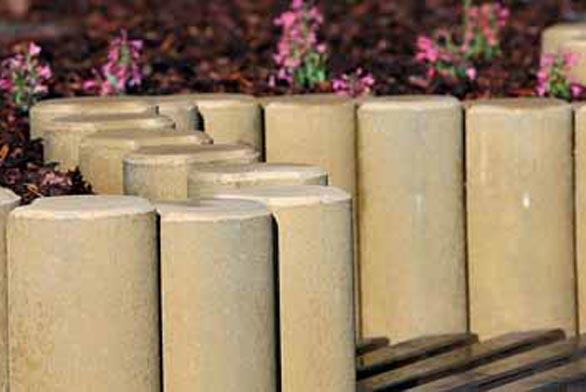 Palisády mají široké možnosti využití. Kromě velkých zahradních stěn z nich lze stavět i různě vysoké terasy na záhony.