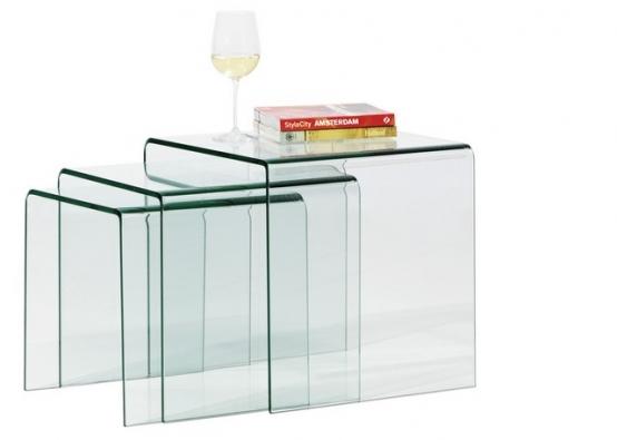 Sada 3 hnízdových stolků (BoConcept), materiál sklo, rozměry 42/39/36 x 42/36/30 x 42/36/30 cm.