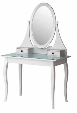 Toaletní stolek Hemnes, 100 x 50 cm, výška 159 cm, cena vč. zrcadla 5 490 Kč, www.ikea.cz.