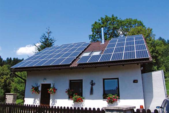 Na rozdíl od státních úředníků je slunce předvídatelné a svítit nepřestane – nicméně navzdory všem úkladům státu se investice do solárních panelů na střeše vyplatí.