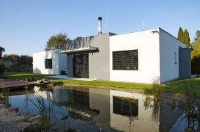 Titul Dům roku 2014 s absolutně nejvyšším počtem čtenářských hlasů získává dům Lime se soutěžním kódem T24, který byl postaven podle projektu společnosti Hoffmann, spol. s r. o., Chrudim. Realizovala firma SHS-2, Ing. Havrda a synové.
