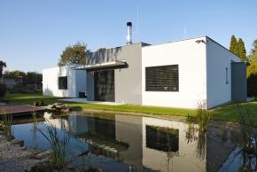 Titul Dům roku 2014  sabsolutně nejvyšším počtem čtenářských hlasů získává dům Lime se soutěžním kódem T24, který byl postaven podle projektu společnosti Hoffmann, spol. sr. o., Chrudim. Realizovala firma SHS-2, Ing.Havrda asynové.