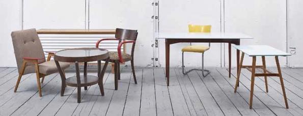 """Za originální kolekci """"Classics + Corian"""", kterou tvoří nábytek z 30. až 60. let obohacený o prvky z corianu, získalo studio deForm Cenu šéfredaktorů Designbloku 2013."""