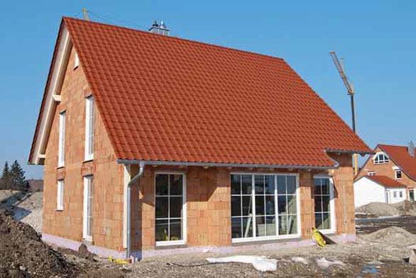 Domy projektované a stavěné z cihelného zdiva vynikají tepelněizolačními vlastnostmi. Trh nabízí prvky přímo předurčené pro realizaci nízkoenergetických a pasivních domů.