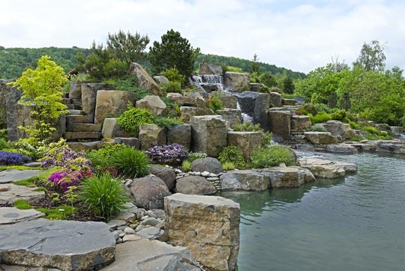 Zahrada inspirovaná starým hradištěm