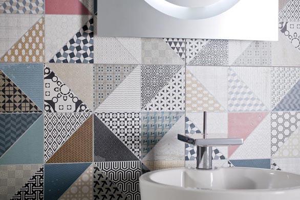 Jedním ze soucasných trendu v obkladech je návrat ke zdobnosti a barevnosti, zejména kombinace základního jednobarevného neutrálního obkladu s dekorativní barevnou plochou.