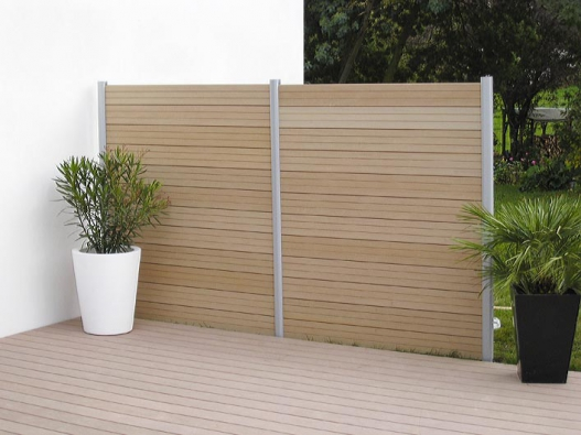 Velmi odolné kovové ploty Lomax, vyráběné zvysoce kvalitního hutního materiálu spříslušnými atesty.