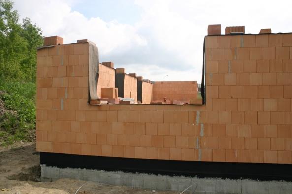 Vysprávky obvodového zdiva