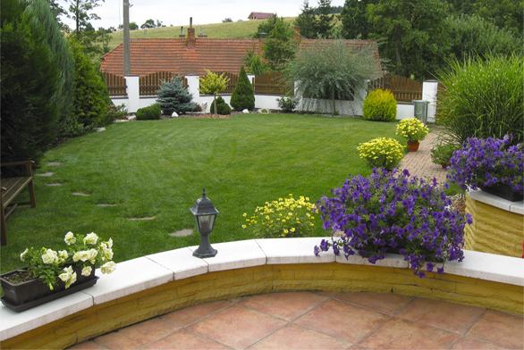 Barevná zahrada jako nadlani