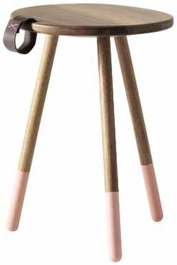 Stolička zakátového dřeva (BOCONCEPT), světle růžový nátěr, v. 50 cm, Ø 36 cm, cena 4 270 Kč,  BOCONCEPT.