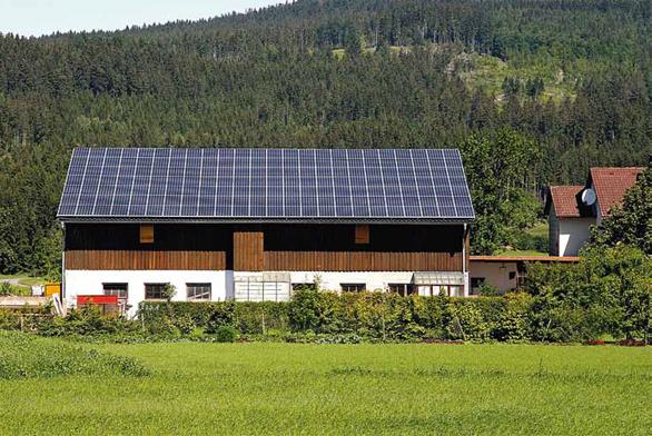 Důležitým prvkem architektury fotovoltaických elektráren jsou regulační prvky.
