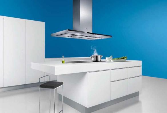 Nové odsavače par Siemens se vyznačují nejen vysokým výkonem a energetickou úsporností. Nízká hlučnost (62 dB) umožňuje umístit vaření v souladu se současnými trendy do společného obývacího prostoru. Doporučená cena nerez spotřebiče činí 43 190 Kč.