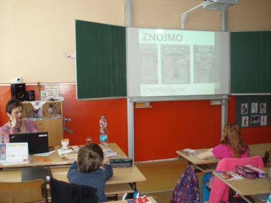 Edukační hodina s městskou architektkou Ivetou Ludvíkovou na základní a mateřské škole Pražská, ve Znojmě.