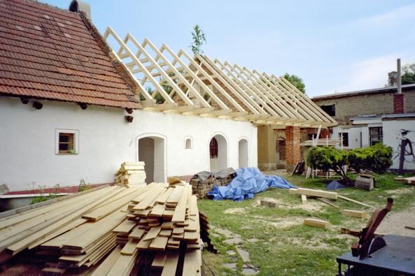 Říká se jí koruna stavení nebo také pátá fasáda.
