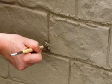 Pracovní plocha se ponechá vyzrát před vlastním barvením a konečnou povrchovou úpravou.