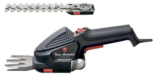 Lehké akumulátorové nůžky natrávu GBS 6036 Li vybavené systémem vyměnitelných nožů. Poradí si istvarováním keřů astromků (MOUNTFIELD).