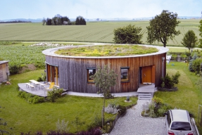 Vegetační střechy mají zelenou