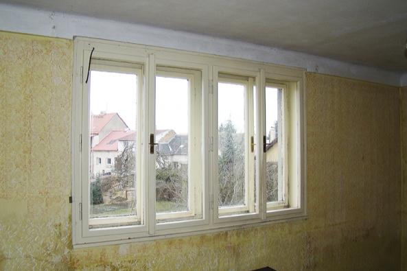 Kastlové okno se všemi klady izápory. Nabízí se repase nebo kvalitativně dokonalejší replika...