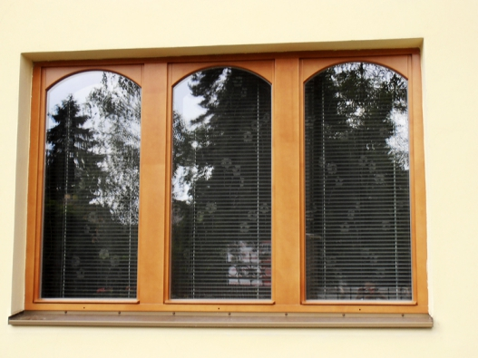 Moderní špaletová okna shodnotami Uw = 0,9 W/m2K aRw =46dB (AZ  EKOTHERM).