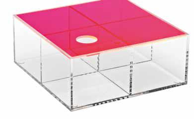 Úložná krabice z cirého akrylu (BoConcept), k dispozici v ruzných velikostech, cena 840 Kc/ks, www.boconcept.com.