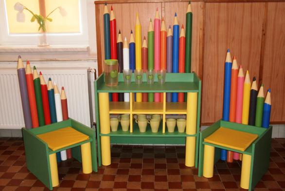 Vítězný produkt vpodobě pastelkového stolku na pitný režim