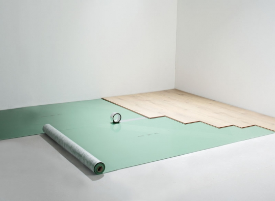 Pod krytinu se ukládá izolace Sount Protect Eco, vhodná ipro podlahové topení (KPP).